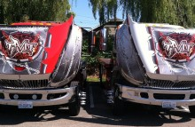 Box Trucks, Buses & Trailers Twisted Metal Transport - International Flatbed Tow Trucks
